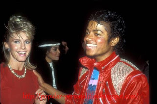 Olivia-Newton-John-and-Michael-Jackson02.jpg
